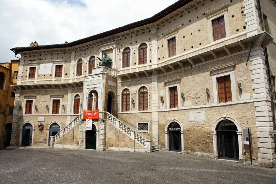 Palazzo dei Priori, Fermo